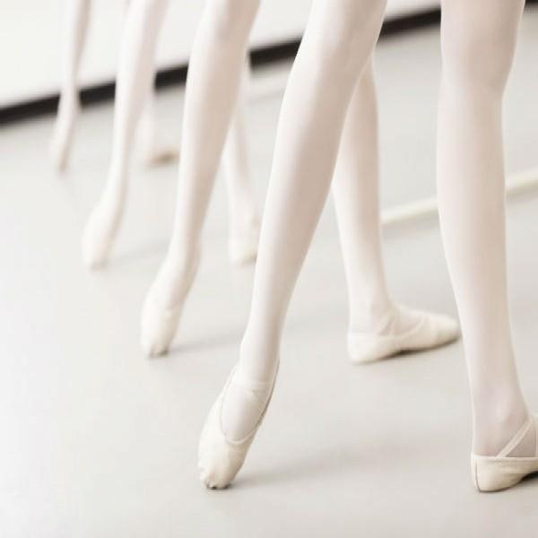 134938 ballet aulas gratis para crianças 600x600 Curso de Ballet Clássico Grátis