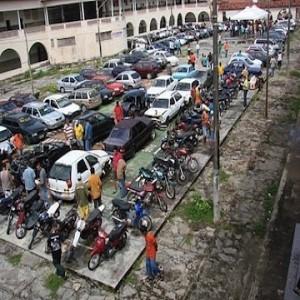 148234 leilao detran 2 300x300 Leilão DETRAN 2013   Motos e carros apreendidos