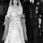 168977 muito bordado na saia do vestido 150x150 Vestidos de Casamentos das Rainhas