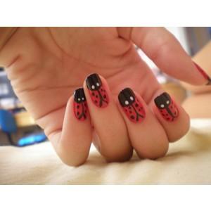 18057 unhas decoradas aprenda a fazer desenho nas unhas 12 300x300 Unhas Decoradas   Aprenda a fazer desenho nas unhas