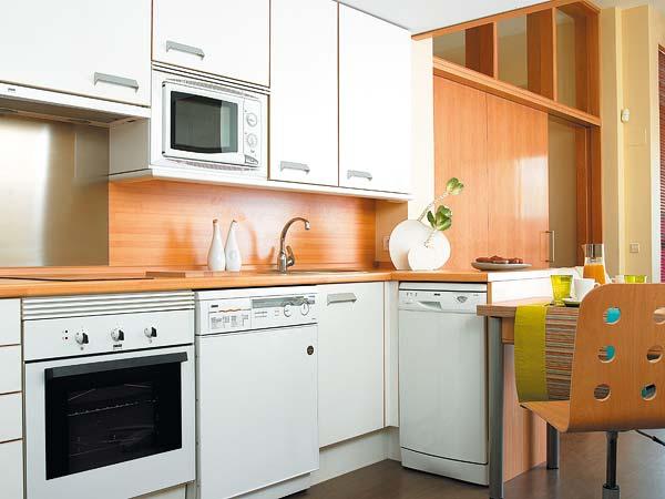 181288 iluminação perfeita mantem o ambiente aconchegante Fotos De Cozinhas Planejadas Pequenas