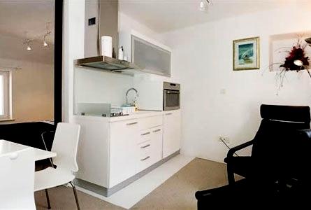 181288 tudo que precisa para a cozinha em apenas uma parede pequena Fotos De Cozinhas Planejadas Pequenas