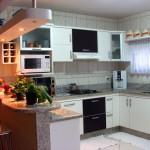 181357 a mesa foi substituida por um balcão americano 150x150 Cozinhas Planejadas para Apartamentos Pequenos