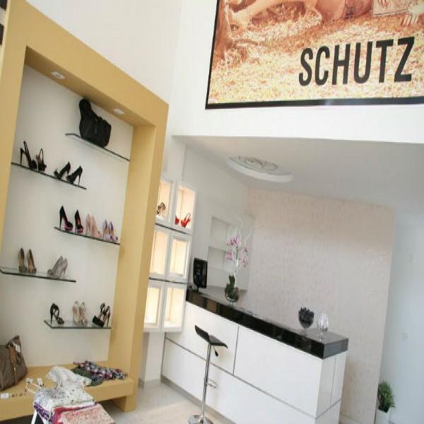 187732 revendedora de sapato schutz 600x600 Calçados para revenda direto da fábrica