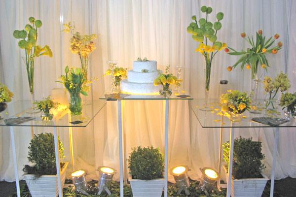 as luzes decoram o ambiente 150×150 Decoração em Amarelo Casamento