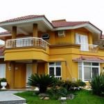 Casa amarela cores vivas