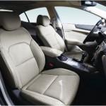 Bancos confortáveis, o carro ainda conta com um bom  espaço interno (Foto: Divulgação)