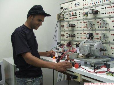 Curso Técnico de Eletrônica SENAI