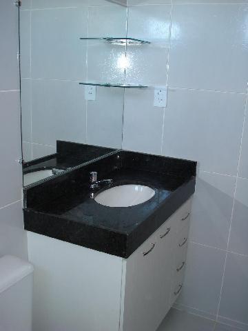 Prateleiras de vidro para banheiros