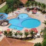 Varias piscinas e toboágua para todas as idades.