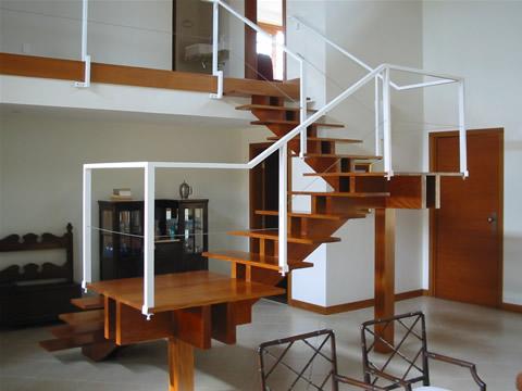 Modelos de escada: concreto, alumínio, madeira