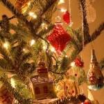 A árvore de Natal é um dos ícones de decoração da data. (Foto
