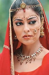 Dicas de Como Fazer uma Maquiagem Indiana