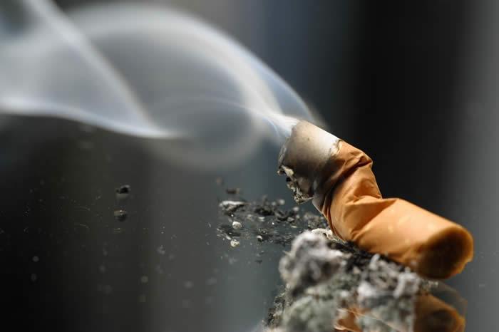Fumantes: cigarro prejudica o coração, saiba o motivo