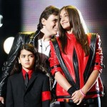 Prince, Paris e Blanket no Michael Forever. Foto: Reuters