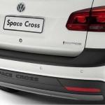 Vw-Space-Cross-2012-traseira-branca