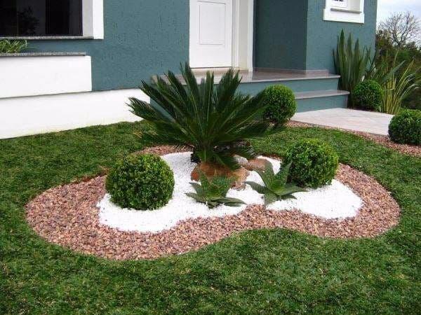decoração de jardim simples central