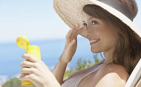 Descubra qual o melhor protetor solar para o seu tipo de pele