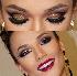 Aprenda a fazer maquiagem com glitter