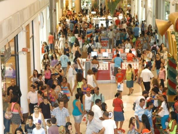 vagas de empregos temporarios nos shoppings RJ shopping lotado