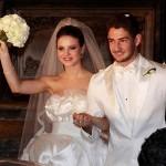 Stephany e Alexandre no seu luxuoso casamento em 2009 (Foto:Divulgação)