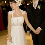 Sandy usando ummodelo de Emanuelle Junqueiraem seu casamento (Foto:Divulgação)
