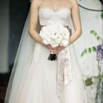 Para o seu segundo casamento Reese escolheu um vestido rosado (Foto:Divulgação)