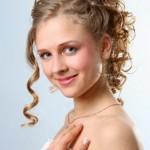 Penteado para cabelos encaracolados (Foto:Divulgação)