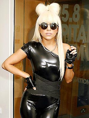 Os figurinos mais estranhos de Lady Gaga