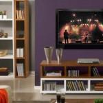 A estante vazada também combina com a sala de estar ou de TV.