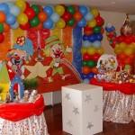 Elementos circenses podem aparecer na festa infantil