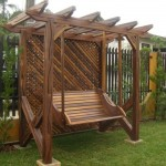 Balanço de madeira para jardim