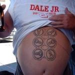 Tatuagem da grade de cerveja (Foto:Divulgação)