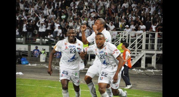 Once Caldas foi campeão da Libertadores em 2004 depois de eliminar Santos e São Paulo. (Foto/Divulgação)