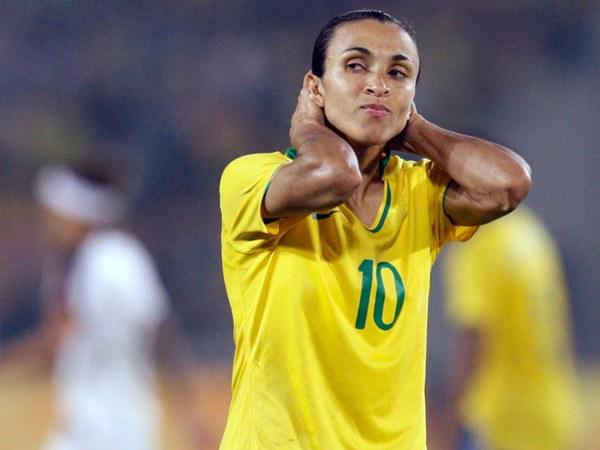 Apesar de contar com Marta, Brasil caiu uma posição no ranking da Fifa. (Foto/Divulgação)