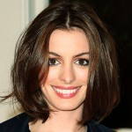 Anne Hathaway com cabelos curtos(Foto:Divulgação)