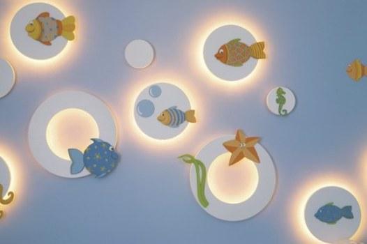 Quarto infantil decorado com luzes