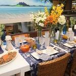 Mesa da casa de praia decorada