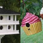 Casa de passarinho em formatos diferentes.