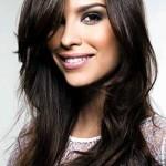 Para todos os tipos e comprimentos de cabelo, o corte repicado é o ideal para tirar o seu volume. (Foto: Divulgação)
