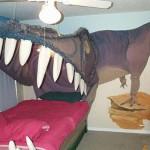 Quarto decorado com tema Dinossauro