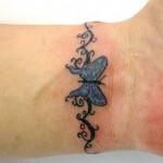 Tatuagem de borboleta no pulso