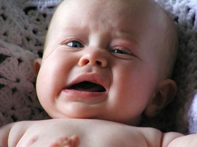 Como tratar o soluço do bebê