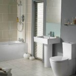 Banheiro com estilo cleann, ou seja, claro e suave.