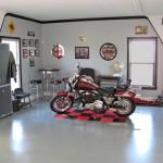 Uma garagem perfeita para quem gosta de motos.