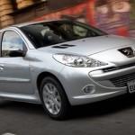 Novos detalhes nos modelos da Peugeot 207 HB 2012 como barra protetora de para-choque