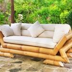 Sofá de bambu transforma a área externa.