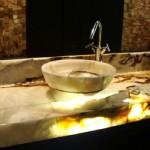 O banheiro decorado com granito tem um efeito estético maravilhoso.