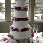 Bolo de casamento com muitas camadas (Foto:Divulgação)