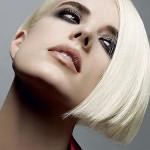 Como tratar os cabelos platinados no verão